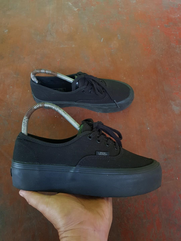 6d73a258e4 Home · Men s Fashion · Footwear · Sneakers. photo photo ...