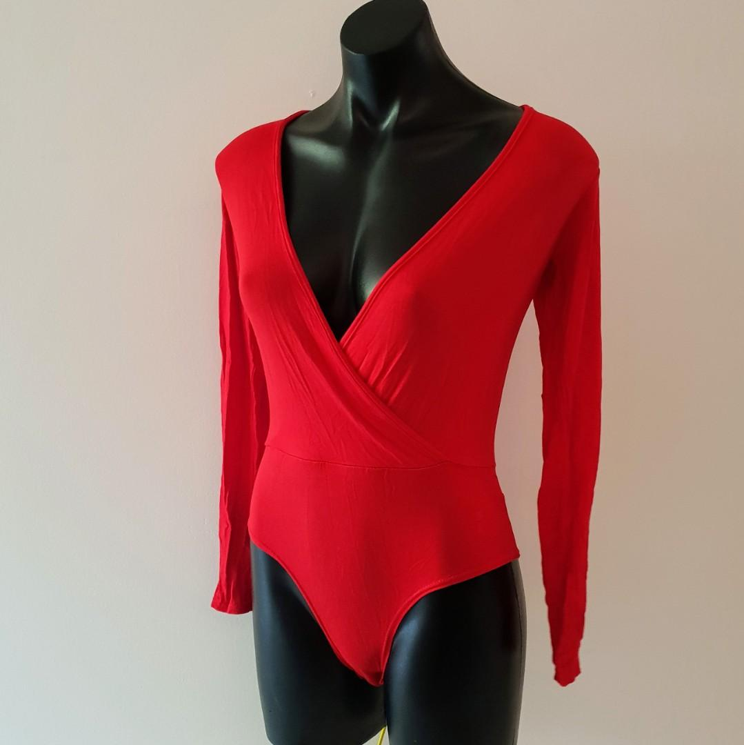 Women's size S 8-10 'STYLE' Gorgeous scarlet red long sleeved bodysuit - BNWT