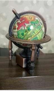 🚚 地球儀削鉛筆機