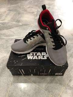 NEW  adidas neo Star Wars Silver sport shoe uk9