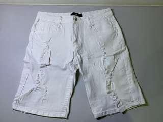 🚚 白色破洞造型短褲