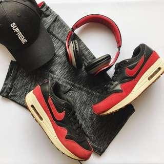 Nike Air Max 1 'Bred' Essentials Woman #sparkjoychallenge
