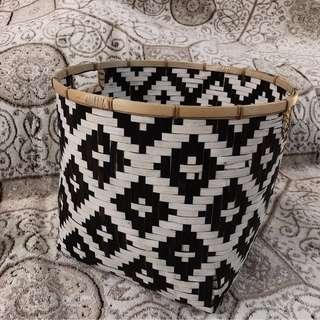 🚚 Weaved Rattan Plant Basket