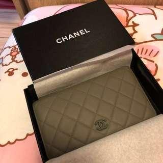 Chanel 灰色長銀包