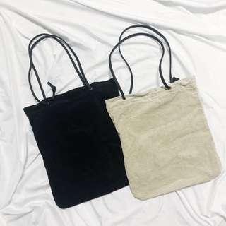 🚚 [ 兩樣合售 ] 黑杏兩色百搭實用燈芯絨手提袋