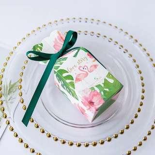🚚 Modern Printed Design Standing Gift Box - Flamingo