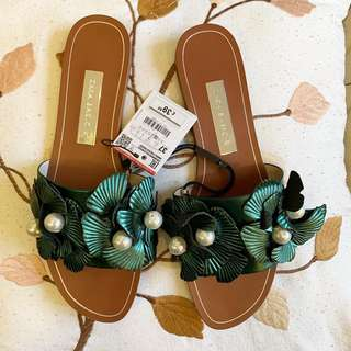 8828c2316e57b Buy New   Used Women s Shoes Online