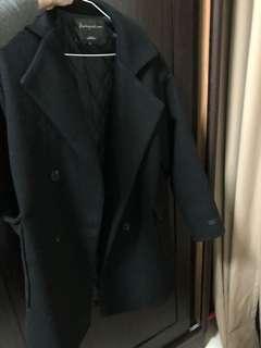 🚚 翻領內鋪棉黑色大衣