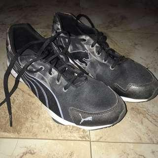 Running shoes/Fitness shoes