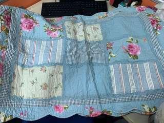 床墊和枕頭墊