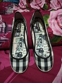 Freed perry authentic amy winehouse
