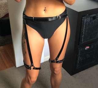 Leg harness suspender