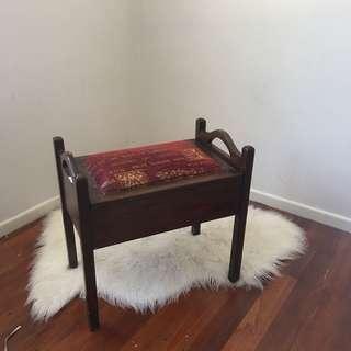 Retro Chair | Piano Chair