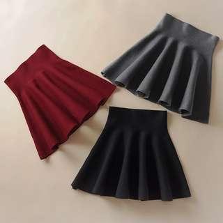 🚚 針織高腰A字裙 黑/紅
