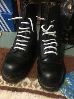 Dr marten Steeltoe boots