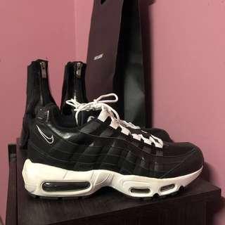 Nike Airmax 95 in Black/White