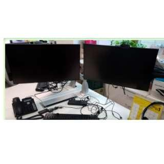 **Best Price** 23 inch Dell Monitor p2314ht/ Stand/Dual Monitor Arm ** Lightly used **Mint condition