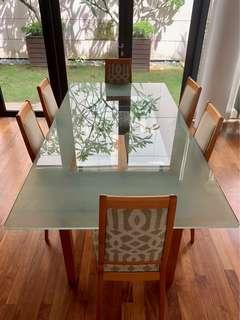 🚚 Modern Glass Top Table and Chaira