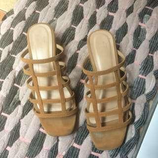 Sandal EESOME