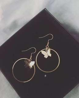 🚚 *new* cute Ria butterfly earrings