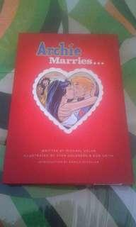 Archie Marries Betty and Veronica
