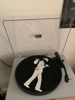 BRAND NEW Record Player + accessories