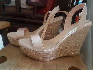Vincci- wedges heels (NEW)