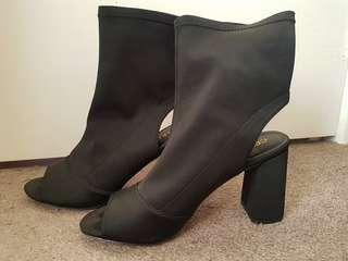 Size 9 Heel Boots