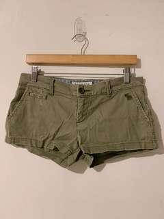 🚚 A&F 0號草綠刷色短褲