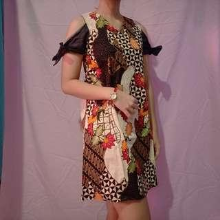 Dress Batik Coklat Fit to M-L kecil sabrina