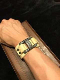 Authentic Diesel leather off white bracelet !