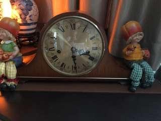 🚚 Vintage Clock