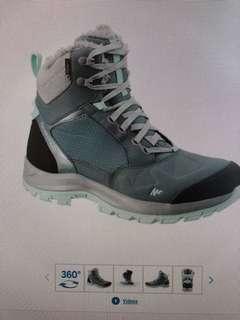 Brand new Women's Snow Boots