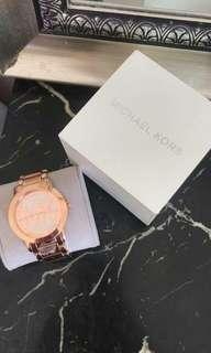 New Michael Kors Runway MK3463 is a beautiful and trendy Ladies watch Authentic