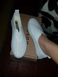 White shoes size 36