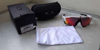 684e2447e46 Authentic Oakley Jawbreaker Sun glasses. Frame   Polished white. Lens   Prizm  Road. 929005