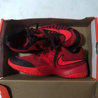 🚚 nike hyperlive shoes