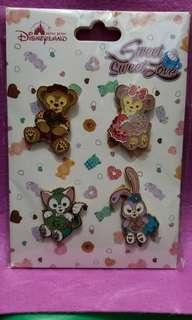 Disney pins hkdl迪士尼徽章 duffy & friends