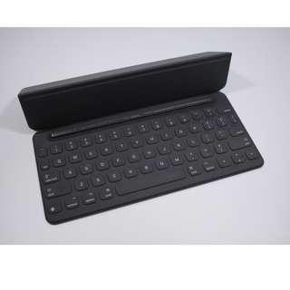 """Excellent Condition 9.7"""" iPad Pro Smart Keyboard(150sgd)"""