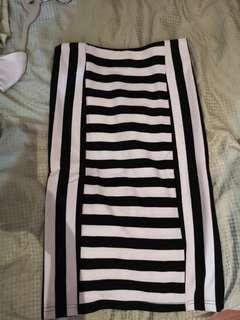 Stripe Skirt black tight fitting