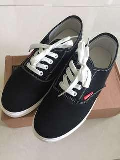 🚚 #homerefresh30 black shoes,sports shoes,sneakers, unisex