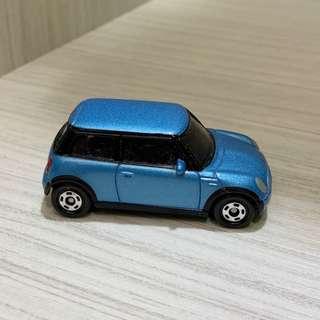 🚚 一台藍色的Mini cooper玩具車/模型車