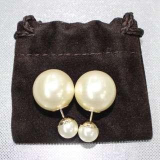 Christian Dior Pearl Pierce Earrings