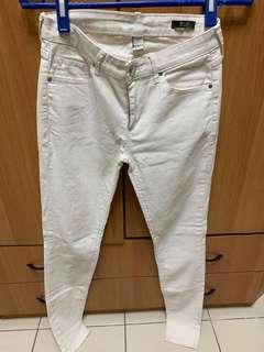 🚚 Mango 窄管顯瘦白色長褲 M號