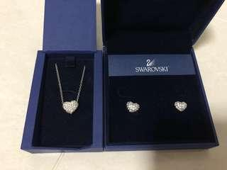 🚚 Swarovski heart Earrings and necklace