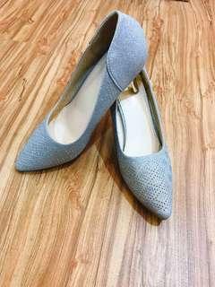 🚚 全新品銀色亮粉高跟鞋/婚鞋
