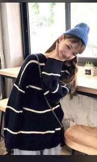 🚚 全新 藏青色橫條紋針織毛衣