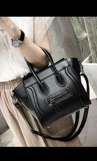 🚚 Black handbag/sling bag