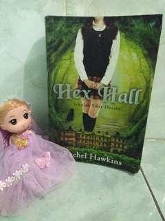 Novel Hex Hall Trilogi 1 by Rachel Hawkins
