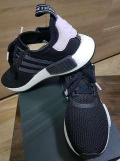 5741d2375 adidas nmd r1 black pink